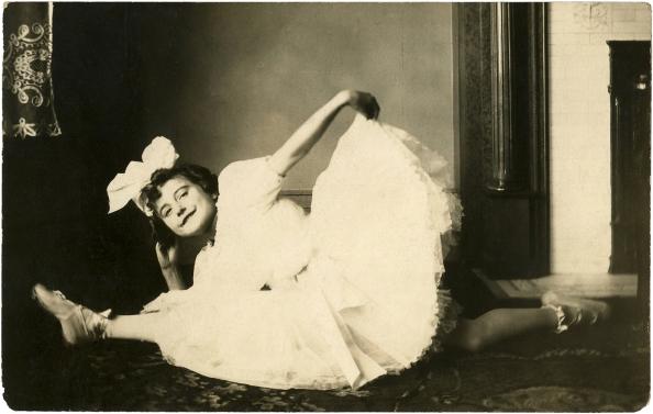 Vintage-Ballerina-Photo-GraphicsFairy